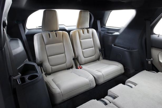 Ford Explorer - задние места третьего ряда