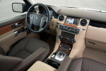 Land Rover Discovery 4 - водительское место и торпедо с рулём