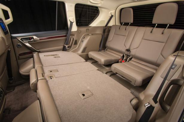 Lexus GX 460 - сложенный 2-ой ряд в 7-местной комплектации