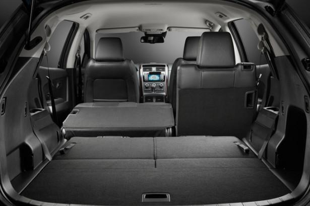 Mazda CX-9 - разложены часть сидений