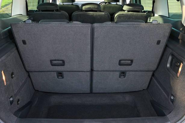 SEAT Alhambra - размер багажника