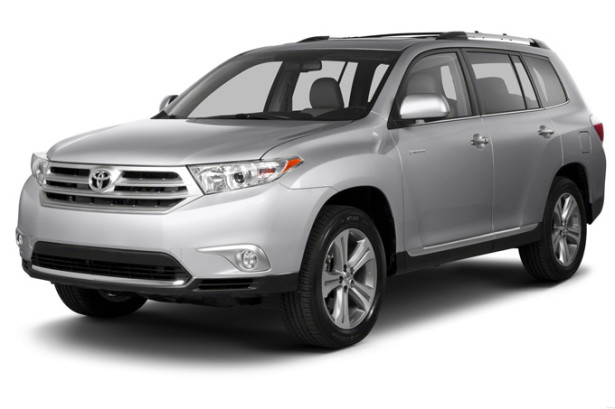 Toyota Highlander - вид спереди