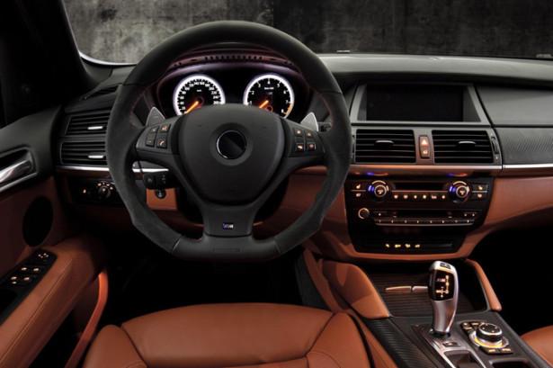 BMW X5 - руль и панель приборов