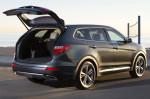 Hyundai Grand Santa Fe - открытый багажник