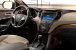 Hyundai Grand Santa Fe - рулевое управление и место водителя
