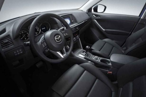 Mazda 5 - водительское место