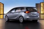 Opel Zafira Tourer - вид сзади