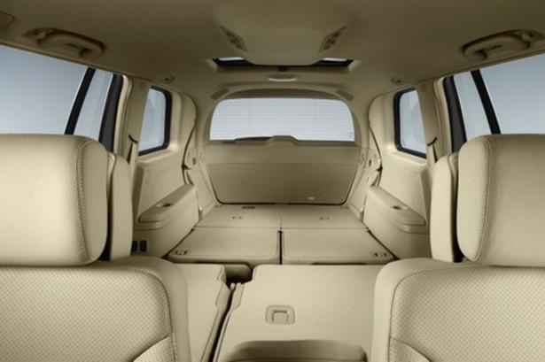 Mercedes-Benz GL-Class - салон со сложенными сидениями