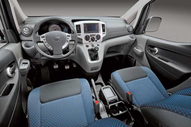 Nissan NV200 - место водителя