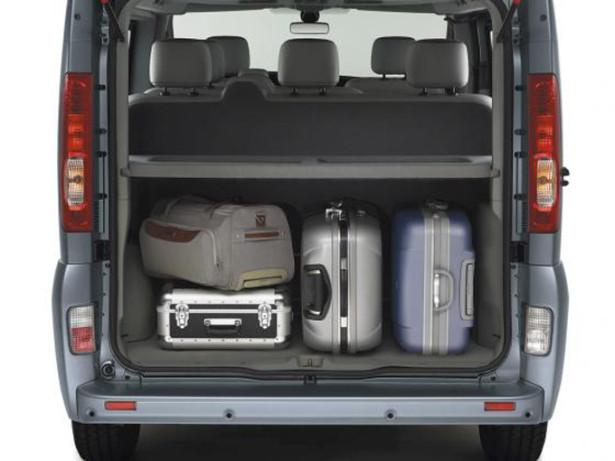 Renault Trafic Passenger - как расположить багаж