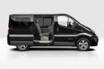 Renault Trafic Passenger - вид сбоку