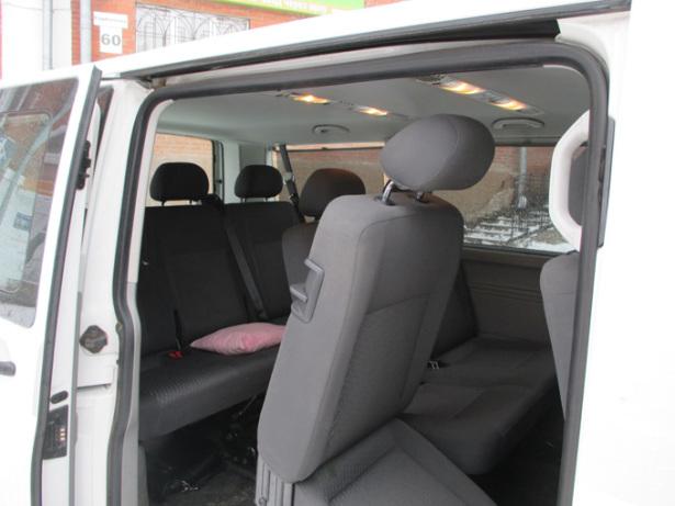 Volkswagen Caravelle - внутри салона