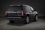 Cadillac Escalade - вид сзади