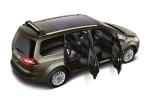 Ford Galaxy с открытыми дверями