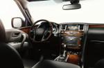 Infiniti QX80 - водительское место, руль, приборная панель