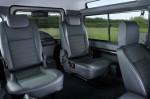 Land Rover Defender - сиденья третьего ряда, 7 мест в автомобиле