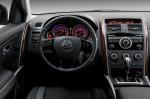 Mazda CX-9 - руль и приборная панель