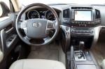 Toyota Land Cruiser Prado - руль и торпедо с приборами
