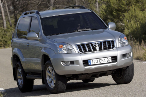 Toyota Land Cruiser Prado в движении