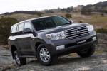 Toyota Land Cruiser 200 на пересеченной местности