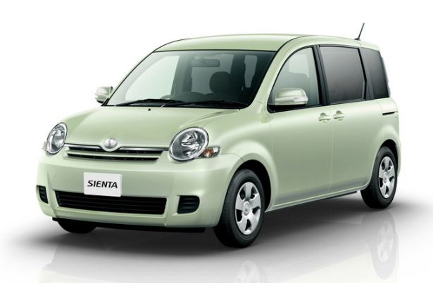 Компактвэн Toyota Sienta