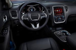 Dodge Durango - водительское место